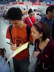 Book Signing (nargalzius) Tags: bookfair mallofasia