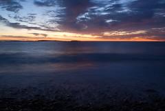 Lever de soleil / Sunrise (laurent.brouty) Tags: mer nature sunrise de landscape see soleil sony a200 paysage levdesoleil lev