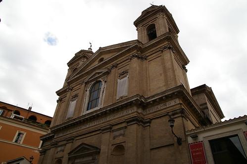 小巷內也有許多古老的建築