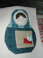 Matryoshka tea towel (Salted River) Tags: handmade applique matryoshka teatowel handpieced russiannestingdoll handembroidery babouchka pouperusse