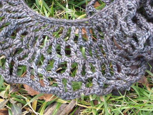 Silky Merino frilly scarf