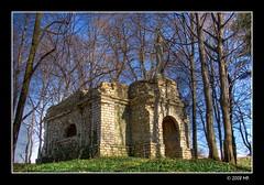 The Szembek mausoleum (Mariusz Petelicki) Tags: poland polska mausoleum hdr 3xp canon400d mariuszpetelicki porbaegoty mauzoleumszembekw