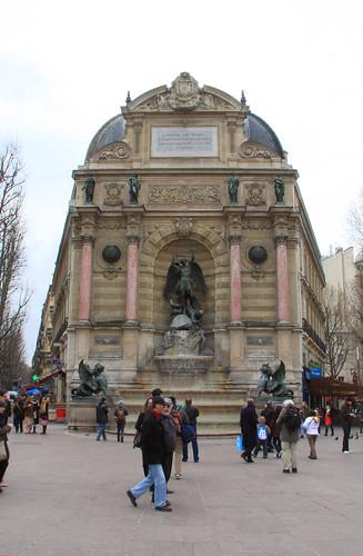 Fuente de Saint-Michel