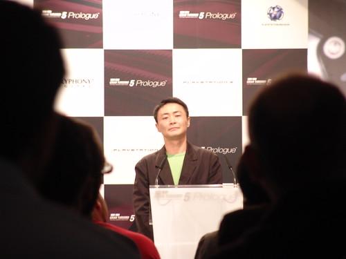Kazunori Yamauchi, como Schuster