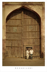 sheikhupura fort (reza gilani) Tags: friends boy scale childhood kids friendship size mainentrance mughalarchitecture supershot 18200vr nikond80 rezagilani sheikhupurafort