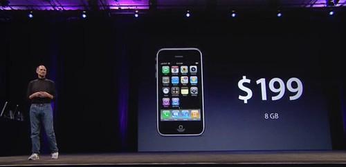 Foto de Steve Jobs presentando el iPhone 3G en la WWDC de 2008 en San Francisco