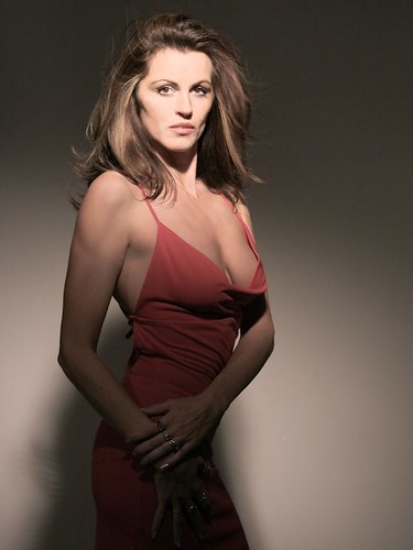 Dana masque nude model