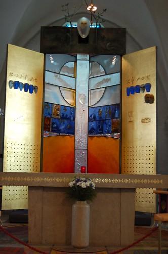 ガラス製の祭壇