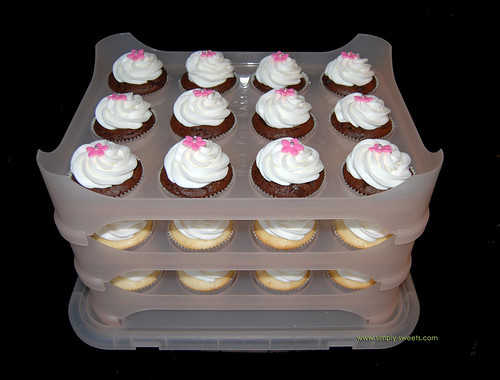 Cupcake courier with flower cupcakes