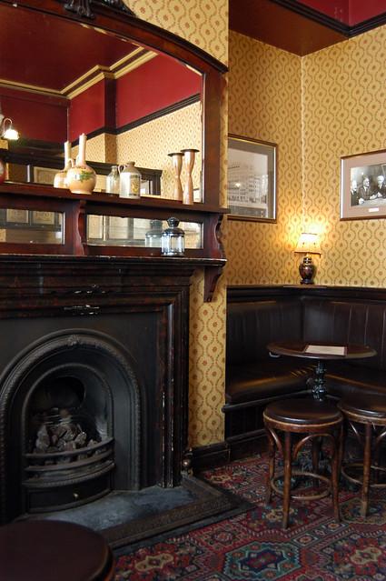 london fog bar pub fitzrovia interior books literature poets ezrapound yorkshiregrey rimbaud deadpoetssociety langhamstreet shapesoftime londonpeculiar poetspennyeach