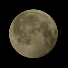 End of Lunar Eclipse 4 (binaryCoco) Tags: moon night mond eclipse nacht hannover lunar mondfinsternis finsternis laatzen