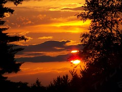 New Hampshire makes things easy (J-Fish) Tags: sunset sun nature silhouette clouds newhampshire z612 kodakz612 herowinner