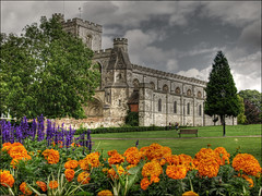 Priory Church, Dunstable (gracust) Tags: flowers trees colour church gardens wow religion bedfordshire priory dunstable digitalcameraclub priorychurch aplusphoto proudshopper goldstaraward qualitypixels top20travelpix