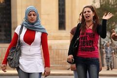 Musulmanes y cristianos (Buen Viajero) Tags: multicultural beirut líbano carlostop