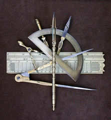 GPS circa 1710 (noinkstains) Tags: scale screw drawing wing ivory engineering 18th bow brass mathematical navigation compass tpc drafting dividers protractor draughting xviiieme tpcu3 tpcu3l1
