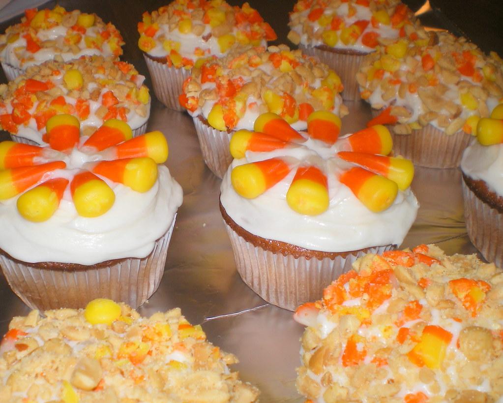 10 Candy Corn Cupcakes For Halloween Plus Bonus Candy Corn