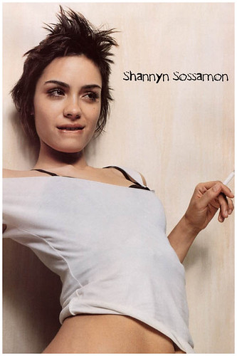 Celebrity short hairstyles - Shannyn Sossamon pictures 3