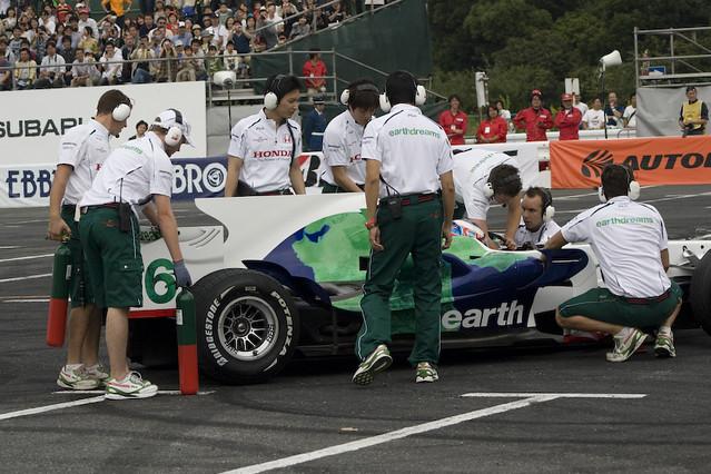 HONDA Racing F1 demo run - Jenson Button