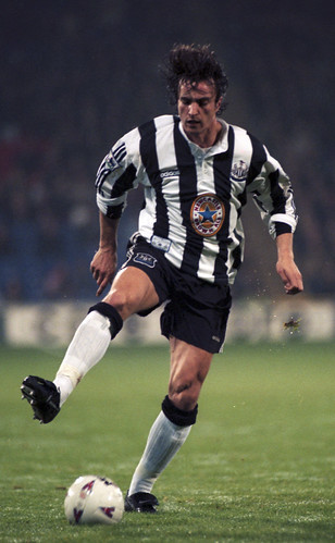 Ginola - Issues warning to Newcastle players
