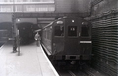 On the Metropolitan Line, Baker Street station, London, 25 October 1958 (allhails) Tags: trains bakerstreet railways metropolitanline locomotives crw rickmansworth rodneyweaver dl03