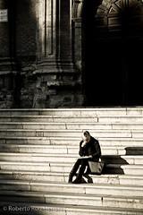 Estudiando al atardecer (Berts @idar) Tags: zaragoza photowalk fz 2875mm espaa canoneos400ddigital xatakafoto pendientesdeetiquetar photowalkxfzaragoza ¹⁄₃₂₀secatf50