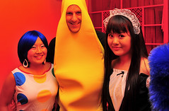 Shanghaiist Halloween Party 2008: I am a banana! (@yakobusan Jakob Montrasio ) Tags: china costumes party urban halloween bar club night fun costume scary funny asia shanghai chinese makeup horror annual  friday expats 2008 shanghaiist foreigners 3rd bombshelter  puxi huaihaizhonglu