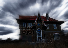House of fear (uslair) Tags: wallpaper house art digital photography photo foto fotografie photographer image pentax background fear picture haus m psycho angst huber helloween geisterhaus k10d platinumphoto mhuber mathiashuberphotography mathiashuber wwwmhphotonet