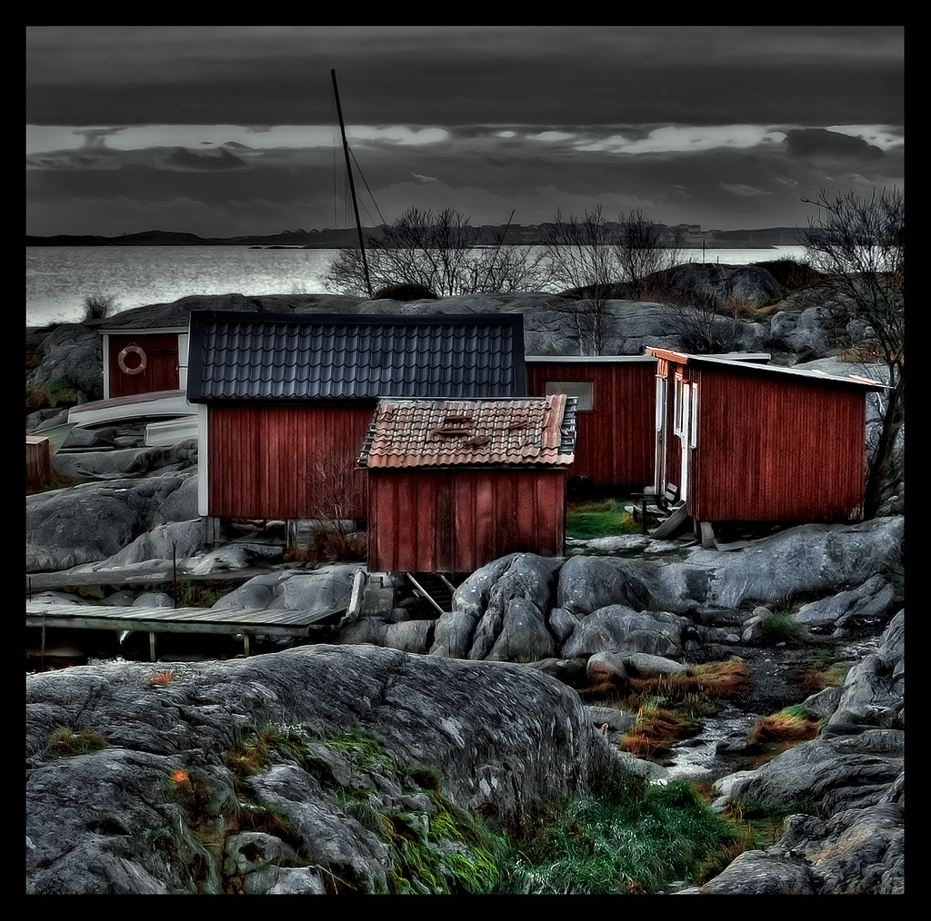 Amazing photo of (Jimmy Hellberg) Tags: red postprocessed gteborg boat fishing cabin  with #622C27 color and 1024x1014 pixels
