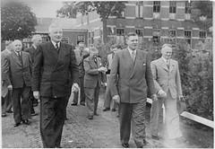 commissaris van de koning en de burgemeester bramer (vroomshoop.com) Tags: holland netherlands nederland overijssel dorp vroomshoop kassusa twenterand jankassies mensenvanvroomshoop
