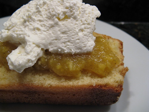 Poundcake with Mango Coulis
