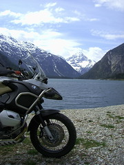 Plansee - Adventure (lisa sch.) Tags: mountain lake alps detail tirol may berge adventure motorbike mai moto bmw motorcycle boxer alpen 2008 gs plansee motorrad r1200gs r1200 1200gs tyrolia miriam63 motorcycleontheroad