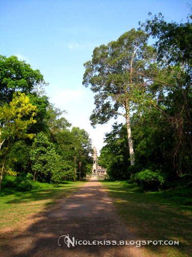 the original road in angkor wat