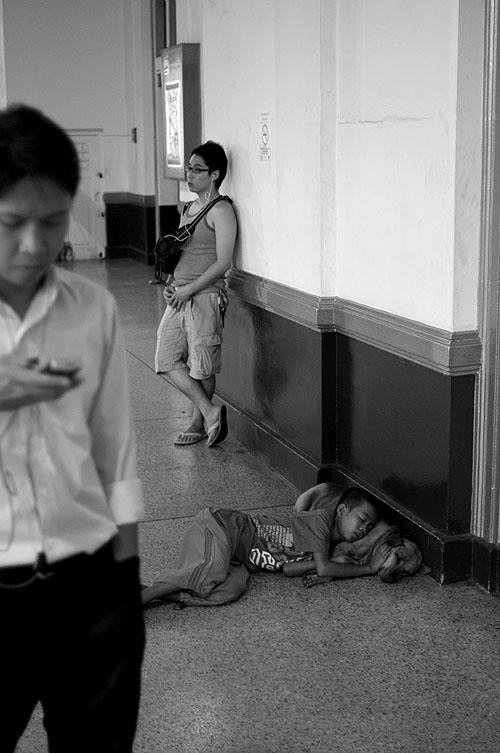 Apathy at Hua Lamphong, Bangkok