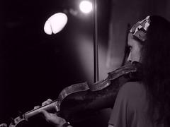 """nem, mer' az hat bet"" - Deti Picasso (.e.e.e.) Tags: city people blackandwhite bw zeiss town concert hungary olympus jena mf russian manualfocus pcs armenian sonnar carlzeiss e400 detipicasso"
