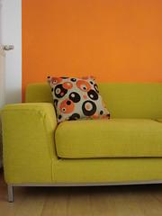 Pillow #1 (indigo_jones) Tags: orange brown holland ikea netherlands yellow mod utrecht handmade circles sewing nederland bank livingroom pillow sofa decorating geel oranje woonkamer bruin lapjesmarkt stoffenmarkt cirkelen