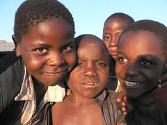 Children at Kybila Estate P1060318 (grebberg) Tags: children tanzania highlands estate tea plantation teaplantation 2007 teabush tukuyu teaplant kyimbila kyimbilateaeastate