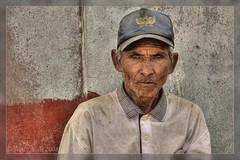 Old man Sembalun, colour