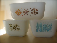 Pyrex fridge dishes (bunbunlife) Tags: snowflake flower kitchen vintage dish retro amish pyrex glasbake