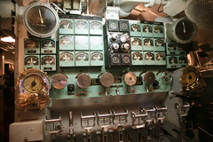Maneuvering Room (cliff1066) Tags: bridge museum hawaii oahu navy submarine worldwarii pearlharbor missile torpedo harpoon controlroom poseidon usnavy officer wahoo engineroom polaris galley ussmissouri deckgun antiaircraft caliber ballistic navigationsystem parche ussbowfin historiclandmark engineordertelegraph conningtower wardroom battleflags submarinemuseum quadgun