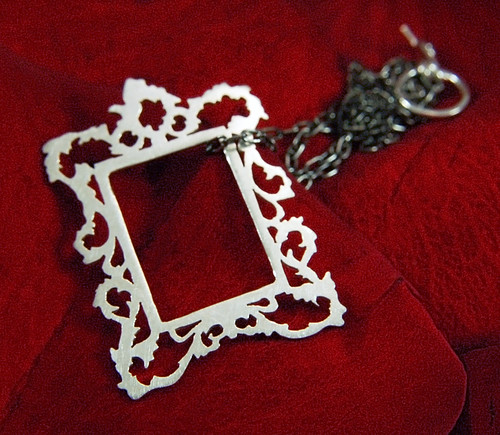 Picture frame pendant - rectangular