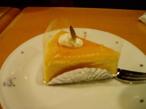 你拍攝的 阪急三十二番街蛋糕店。