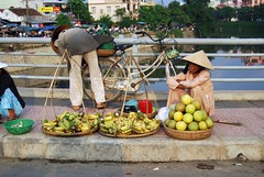 117 Hue_Fruit seller (OliviaRodolphe) Tags: people vietnam hue fruitseller