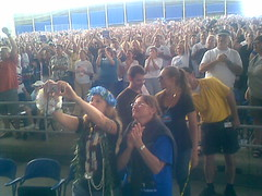 Buffett Concert Crowd 1
