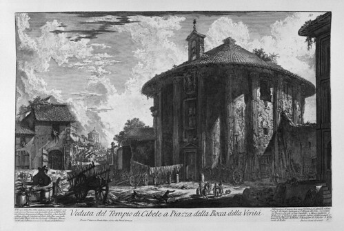 023-Vista del templo de Cibeles en la plaza de la Boca de la Verdad