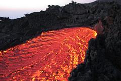 Etna inside out (Thomas Reichart ) Tags: oktober nature landscape volcano lava october glow sicily 2008 etna eruption forces vulkan sizilien lavaflow vulkane glhen ausbruch tna lavastrom balledelbove