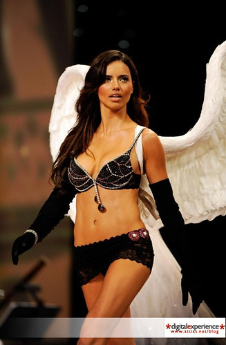 Victorias Secret Adriana Lima brillantes