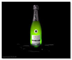 A moment of celebration... (encore_0) Tags: life stilllife naturaleza verde green bottle still drink maria champagne jose bach alcohol bubble alcoholic cava muerta botella vino frutos bodegon bebida burbujas alcoholica espumoso encore0