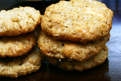 with white chocolate (smitten kitchen) Tags: cookies baking oatmeal crispy salty whitechocolate seasalt