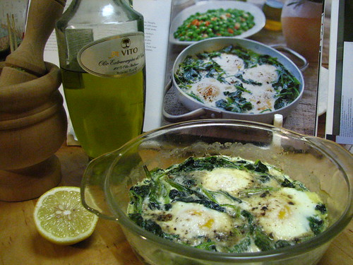 Spinach Baked with Eggs and Cream