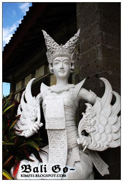 19-The Statue